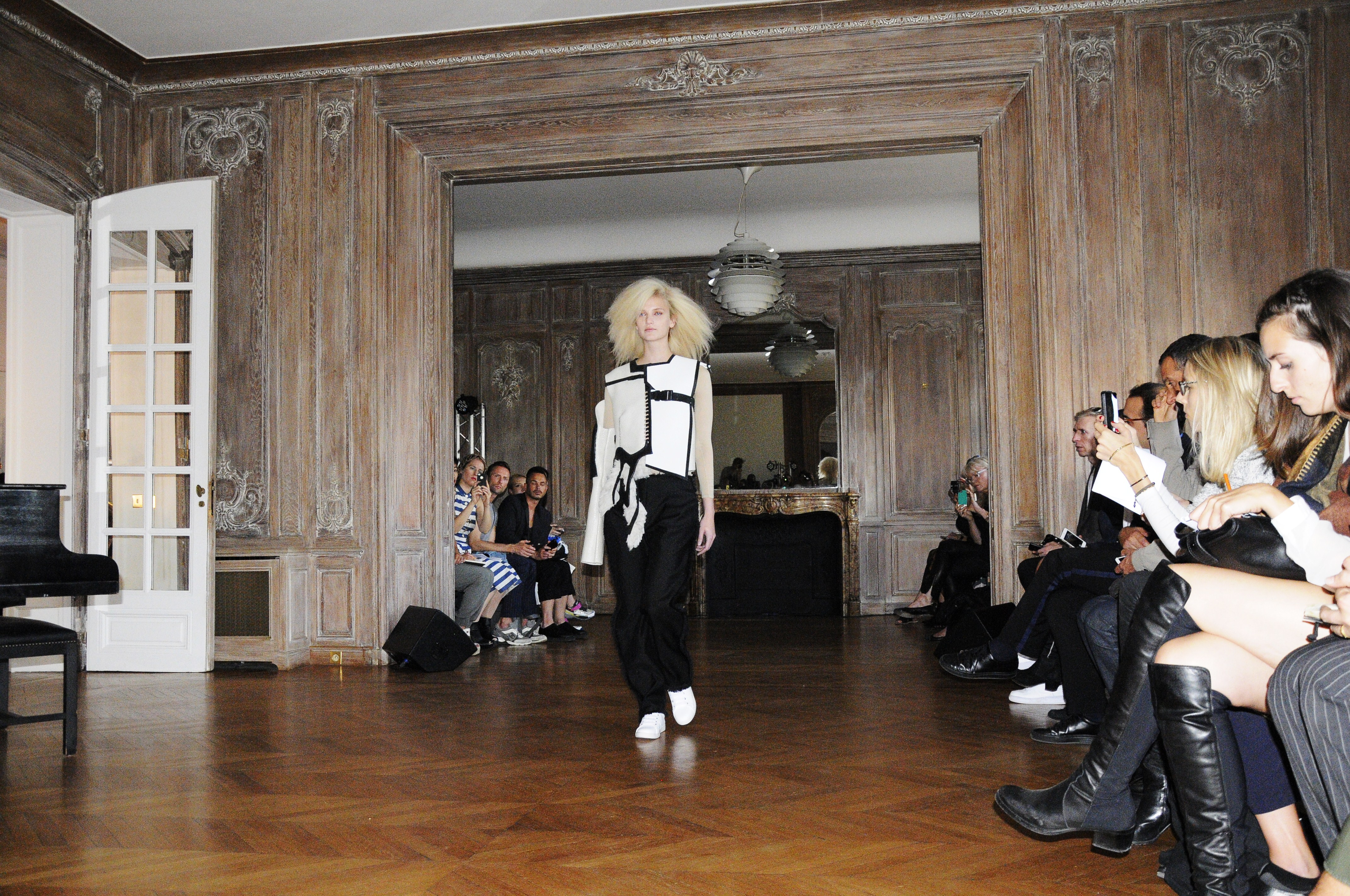 Anne Sofie Madsen catwalk by © Rocío Pastor Eugenio. ® WOMANWORD