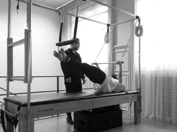 WOMANWORD en plena clase de Pilates con Ricardo en Nature Pilates. Fotos realizadas por el responsable del centro, David Canal